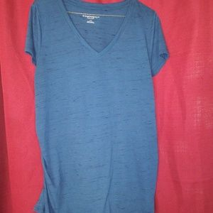 Liz Lange maternity blue top size large